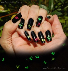 Spooky Eyes Halloween Simple Nail Art 288x300 Children! Please Stop Whining!  ...NOW!